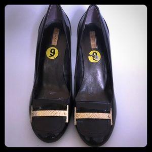 Tahari Brown Heels Size 9
